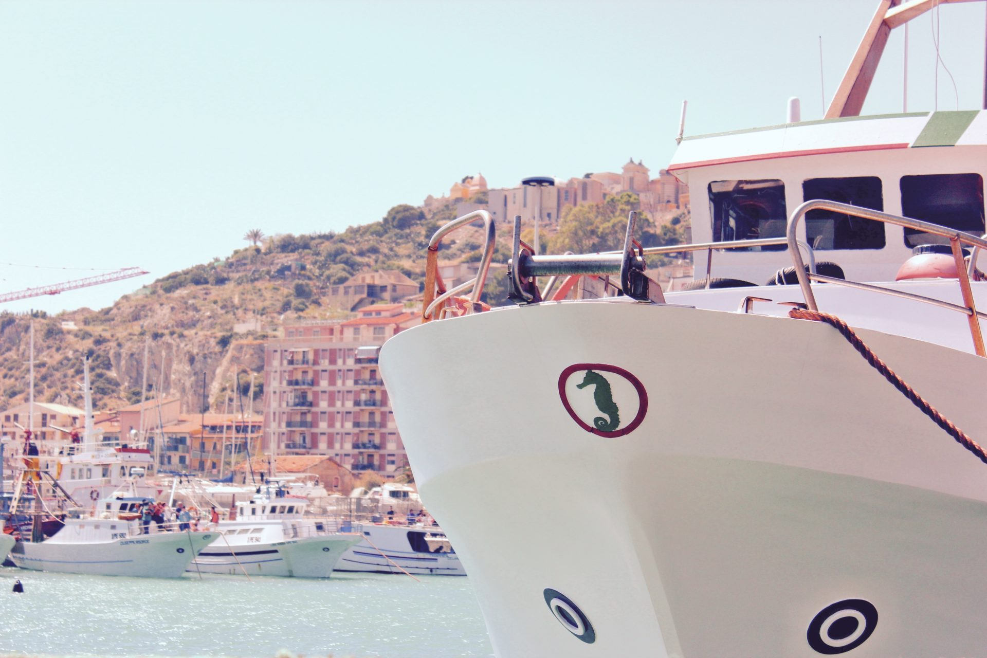 yacht charter in cala di volpe