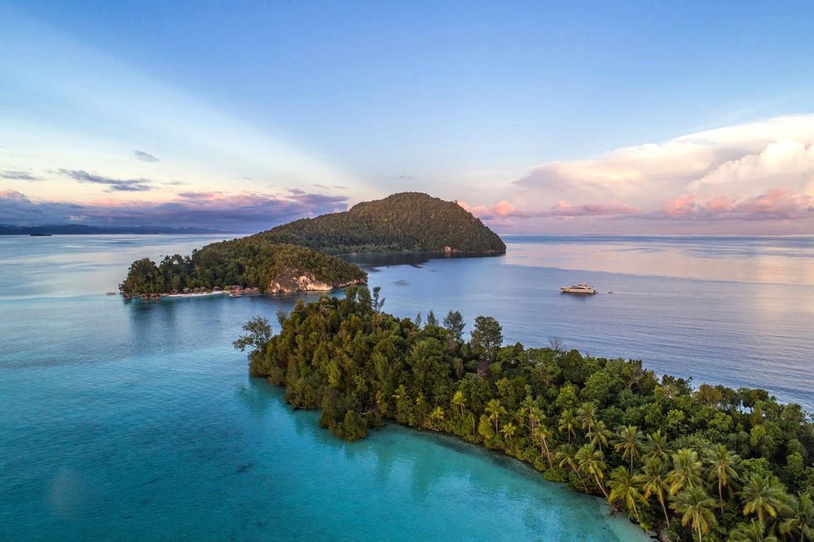 Kri Island Ocean Yacht Blue TJB