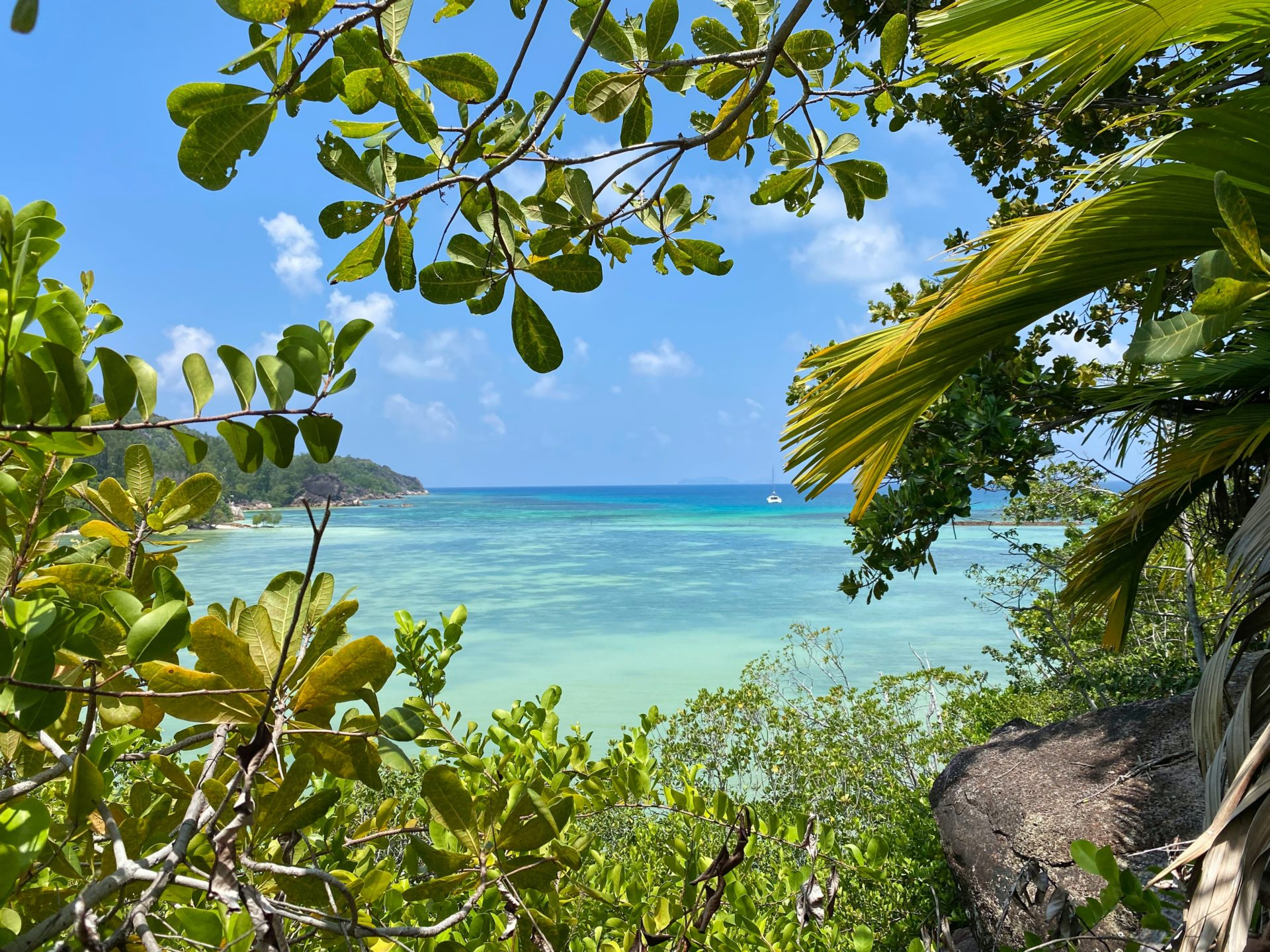 Port Launey Bay Ternay Ocean Beach Blue TJB Superyachts