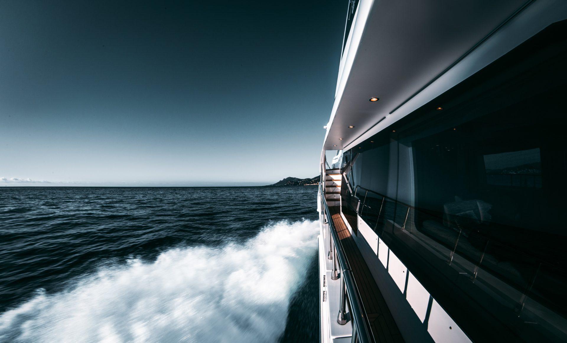 Luxury yacht brokers